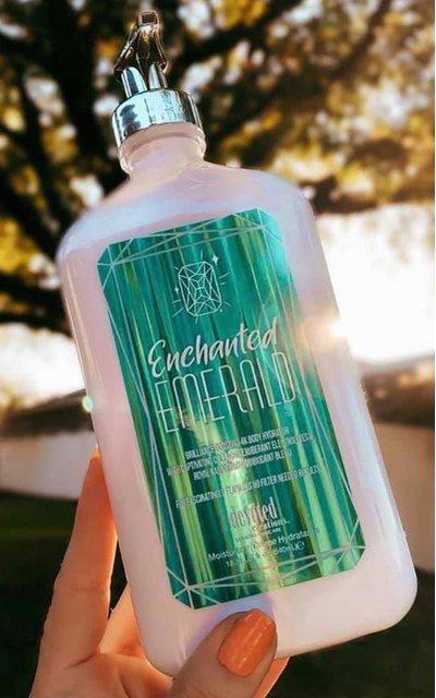 Фото крема Enchanted Emerald